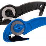 S-CUT QE finns i svart och blått som standard.